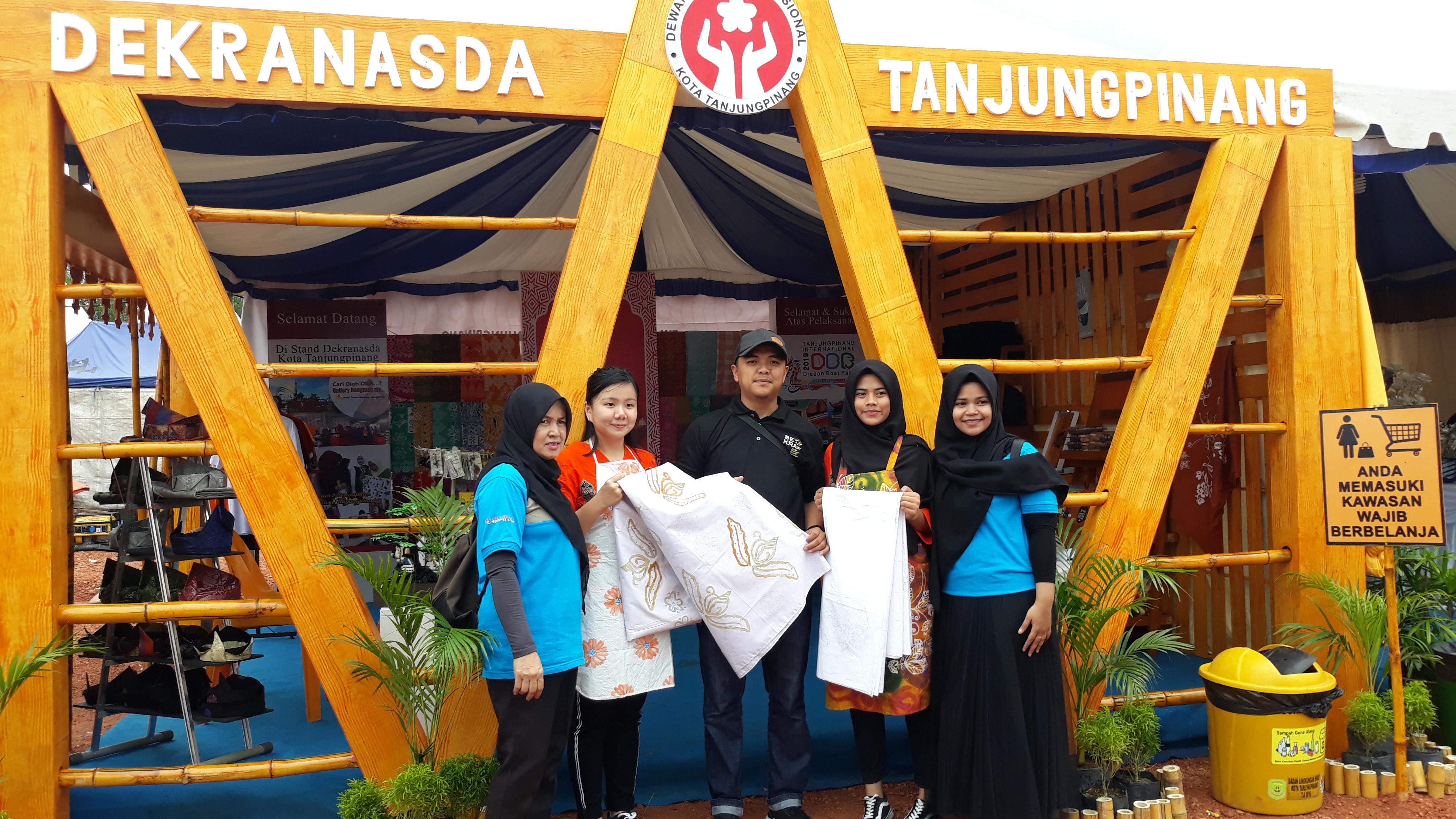 Produk Unggulan dipasarkan dalam semarak Dragon Boat Race di Sei Carang